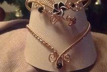 stojany na šperky + krabičky