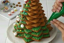 Christmas biscuits cake