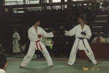 Persoonlijke wedstrijdfoto's karate / Op dit prikbord heb ik diverse foto's geplaatst van wedstrijden tijdens mijn topsport periode