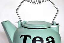 Teapots, Coffeepots, strainers and cups