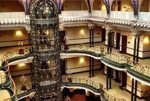 """Art Noveau / La originalidad de su arquitectura """"Art Nouveau"""" y su hermoso vitral Tiffany lo han llevado a convertirse en uno de los hoteles-museo más emblemáticos de México"""