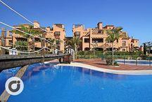 Vivienda de lujo en la Costa del Sol / Un apartamento de auténtico lujo.  ¿Te imaginas vivir en un magnífico piso de 160m2 que te hiciera sentir como si todo el año estuvieras de vacaciones?  Pues eso es exactamente lo que te ofrece esta extraordinaria vivienda con calidades de lujo, en una de las mejores urbanizaciones de la zona, a escasos metros del mar.  http://www.gilmar.es/FichaPiso.aspx?id=80983&moneda=e
