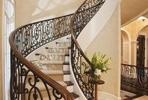 Casa ~ Grand Staircases / by Letizia Reale Paradiso
