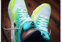kicks / Yummy sneaks