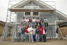 Volunteer / Our volunteers are committed to charity, giving and humanitarian shelter construction.  Volunteer for builds, work at ReStore or other special projects.  We make a difference by building affordable homes for deserving families in our community.