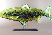 underwater art / Oceans, rivers, lakes, ponds. Fish, whales, sea creatures -- jellyfish, octopus, and more.  Works of art inspired by the beauty found in the flowing environment of water. / by Artful Home