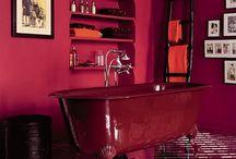 Marsala - Culoarea Pantone a anului 2015 / Pantone au anunțat la sfârșitul anului trecut Culoarea Anului 2015.   Marsala își ia numele de la un tip de vin alcoolizat, și, asemenea acestuia, emană o bogăție și rafinament naturale, ancorate în tonurile de purpuriu,  roșu adânc și brun.