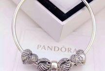 pulseiras com berloques