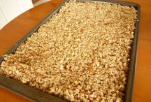 Granola recipe / by Mary Anne Vooren