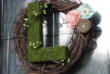 I love wreaths / by Simone La Rose