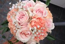 Flowers | Peach / coral and peach flowers for events and weddings, so very 2015!