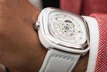 P1/02 / The second piece in the P1 lineup featuring a white rubber animation ring, white face and gold highlights on a white calf leather strap.  Adopted by fans as the 'Bright White' Sevenfriday, this piece is a summer classic.