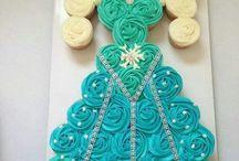 cupcake cake / by Sonia Torres