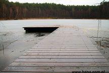 Budowa pomostu wędkarskiego na jeziorze