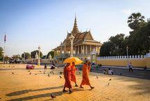 Diez cosas que hacer en Phnom Penh / La capital de Camboya es una ciudad caótica, pero al mismo tiempo manejable y tranquila: cuenta con un paseo junto al río Mekong, numerosos mercados y templos. Los últimos años han proliferado edificios y centros comerciales, pero continúa siendo una de las capitales menos desarrolladas del Sudeste Asiático.