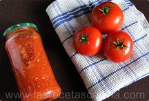 Variedad.  salsas, aderezos, vinagretas