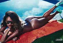 Sexy Babes / Modelos, bikinis, bellas actrices, bikinis, cuerpos esculturales, bikinis y más bikinis es lo que puedes apreciar en este sexy tablero.