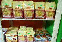 Prodotti in vendita / Varietà di prodotti in vendita presso il nostro negozio.