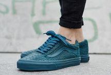 Sneakers // Vans