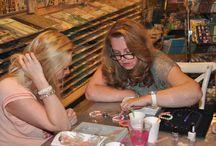 Vriendinnendag 15 augustus 2014 / armbandjes maken bij Doe@ding