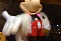 Joyeuses fêtes! / Welcome Mickey chez Home by L'ange & L'éléphant. Rock star!