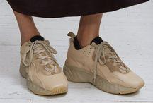 shoe it / shoe- hollic