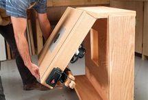 Dřevo - Stoly, skříně, police
