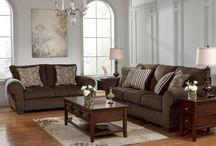 Contemporáneo  / La sencillez, la complejidad sutil, la textura y líneas limpias ayudan a definir el estilo contemporáneo.