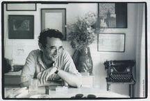 Roberto Bolaño / Cosa la fa ridere sonoramente? Le mie e le altrui disgrazie.  Cosa la fa piangere? Lo stesso: le mie e le altrui disgrazie.