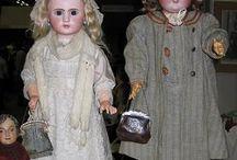 se venden muñecas