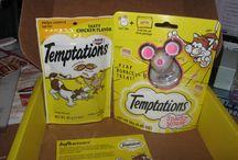 TEMPTATIONS® Pinboard / Temptations Cat Treats