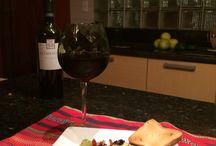Delicias / Aguacate, pimiento rojo, aceitunas, ajo, tomate deshidratado, aceite de oliva y queso parmesano.