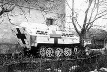 WW2 - SDKFZ 251/8 / Sd.Kfz.251/8 (mitlerer Sanitäts-Panzerwagen)– opancerzony ambulans.