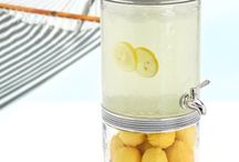 kitchen gadgets / by Laura Click