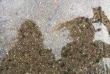 """Mein #ÜberWasser: Reflexionen / Wirkungsweisen der Spiegelungen sind die Verdopplung des Motivs oder seine Verzerrung auf einer unruhigen Wasseroberfläche sowie die Verbindung von Himmel und Gewässer über das Licht.  Hier pinnen wir die Photos von allen Kunst-, Photographie- oder Wasser-Interessierten, die bei unserer Mein #ÜberWasser-Aktion mitmachen und – inspiriert von unserer """"Über Wasser""""-Ausstellung – """"Reflexionen"""" zu ihrem Motiv gemacht haben!  https://www.youtube.com/watch?v=CcKaJNORfOg"""