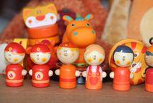 Oranje boven! / Nederland nam een vliegende start op het wk, wij supporteren mee en zochten naar leuk oranje speelgoed.
