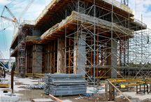 Rozbudowa elektrowni w Jaworznie / Trwa rozbudowa elektrowni w Jaworznie. Budowany jest blok energetyczny o mocy 910 W. ULMA współpracuje z głównym podwykonawcą firmą WARBUD przy budowie maszynowni, obiektu składającego się z części podziemnej  – skrzyni żelbetowej oraz nadziemnej, stanowiącej fundament na słupach pod turbozespół. W celu wykonania płyty fundamentowej turbozespołu firma ULMA zaprojektowano dwupoziomową konstrukcję wsporczą.