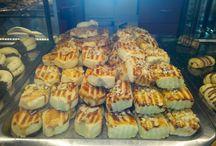 Ünver Kuru Pastaları / Ünver Unlu Mamüllerinin kuru pastalarını içeren bir panodur.