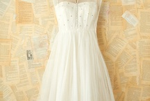 Wedding Dresses / by Hazel Q