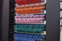 networks / nevíte někdo kam vedou ty kabely...?