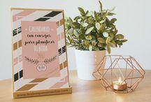 Calendario para tu boda 2017 / Calendario con consejos y pegatinas para planificar tu boda.