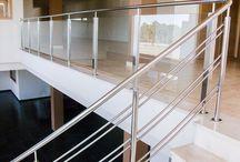 Barandillas en acero inoxidable / Diferentes modelos de barandilla que fabricamos en talleres Oñate a medida para nuestros clientes.