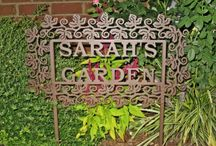 Garden Sign Name Art / These personalized Garden Art Name Sign selections make a wonderful gift for special occasions – Mother's Day, birthdays, anniversaries, weddings, and housewarmings.  They are the ideal Christmas gift for your family and friends that love to spend time in their garden -- give them a unique personalized gift they will always cherish!