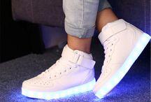 Világítos cipők