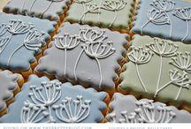 Cakes / by Alana van Staden