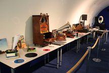 VINYL / Sinds ik de vinylpresentaties heb gedaan voor het Nederlands Instituut voor Beeld en Geluid, ben ik zelf ook weer mijn LP's gaan waarderen. We zetten weer een plaatje op :-)