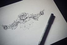 Mell alatti tetoválások
