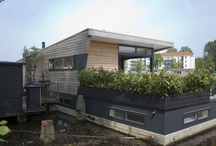 't  V e e r h u y s c h / 2 Decks houseboat. Amsterdam, The Netherlands.