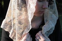 The Faustina Veil / http://rosamysticamantilla.com/neutral-chapel-veils.php Made in honor of St. Faustina Kowalska, the ambassador for Divine Mercy.