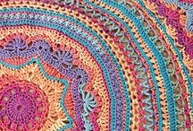 Tejido en crochet / Carpetas Vestidos mandalas  ideas para el hogar.